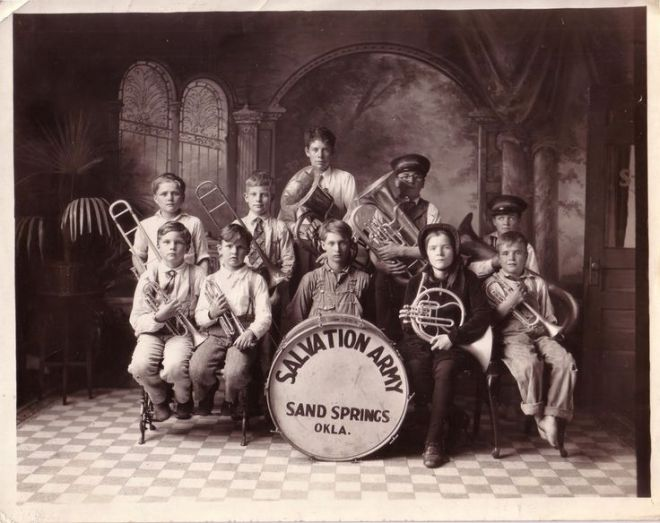 72c100150bbfb383312e5c37ad42daad--army-band-the-salvation-army