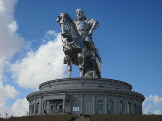 genghis-khan-statue-complex